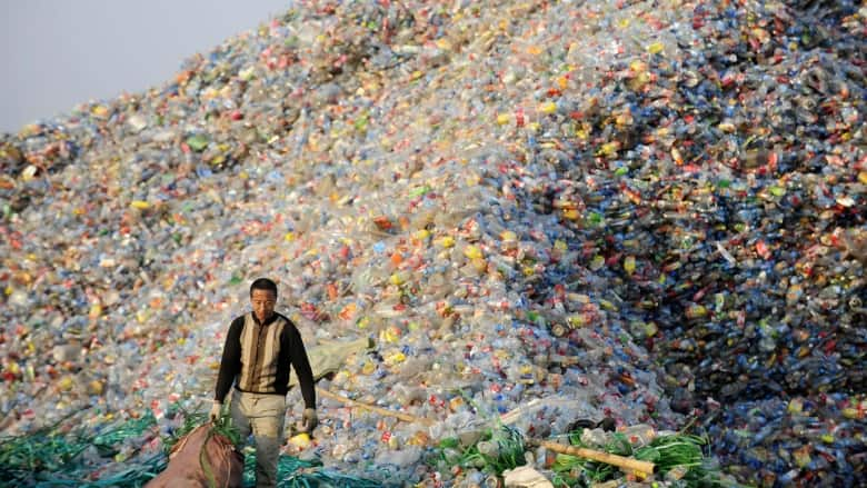 111 million tonnes of plastic waste will have nowhere to go by 2030 due to Chinese import ban: study | CBC News