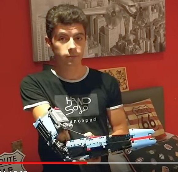 Teen born without forearm builds working robotic Lego arm – submitted by Kris Lee