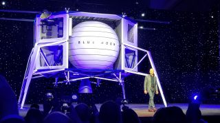Blue Origin Unveils 'Blue Moon,' Its Big Lunar Lander | Space