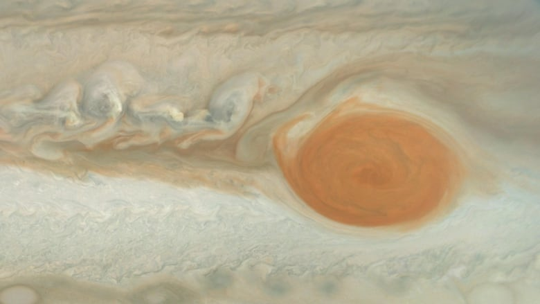 What's happening to Jupiter's Great Red Spot? Astronomers see unravelling of 400-year-old storm | CBC News